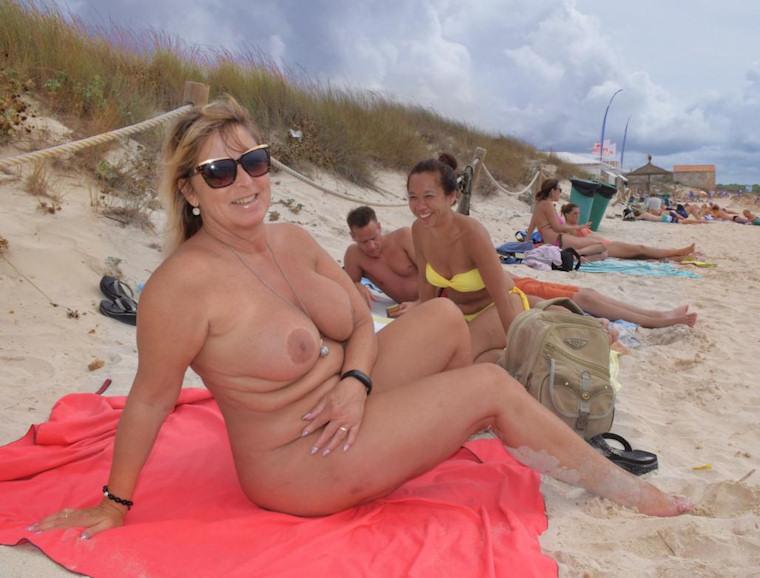 Voyeur usa curvy girl in dressing room - 3 part 2