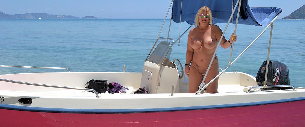Nackt Auf Boot