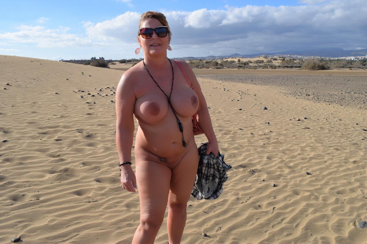 Nackt In Den Dünen